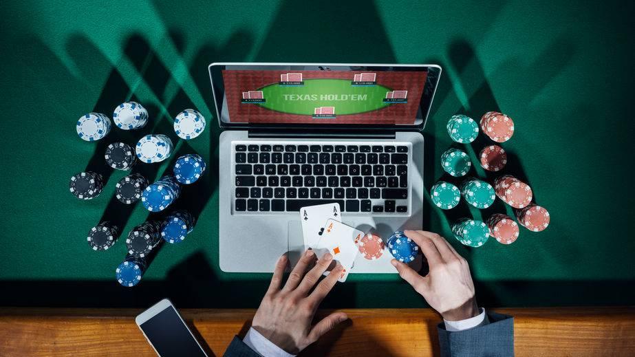 Стоит ли играть в онлайн покер на деньги?